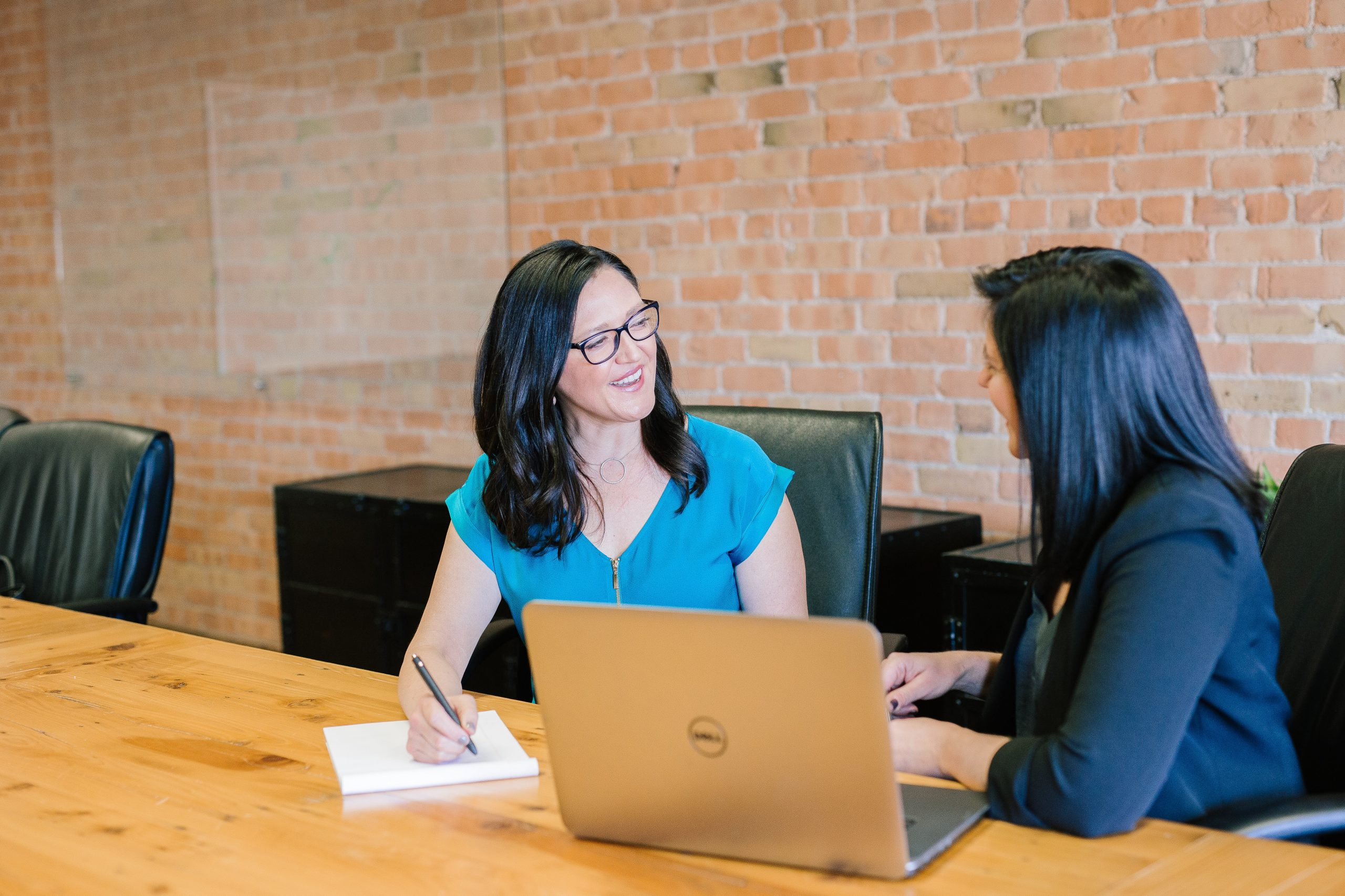10 Ways to Use One On One Meetings to Motivate Employees