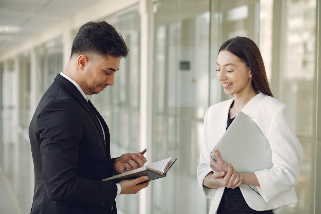 Manager and employee working relationship