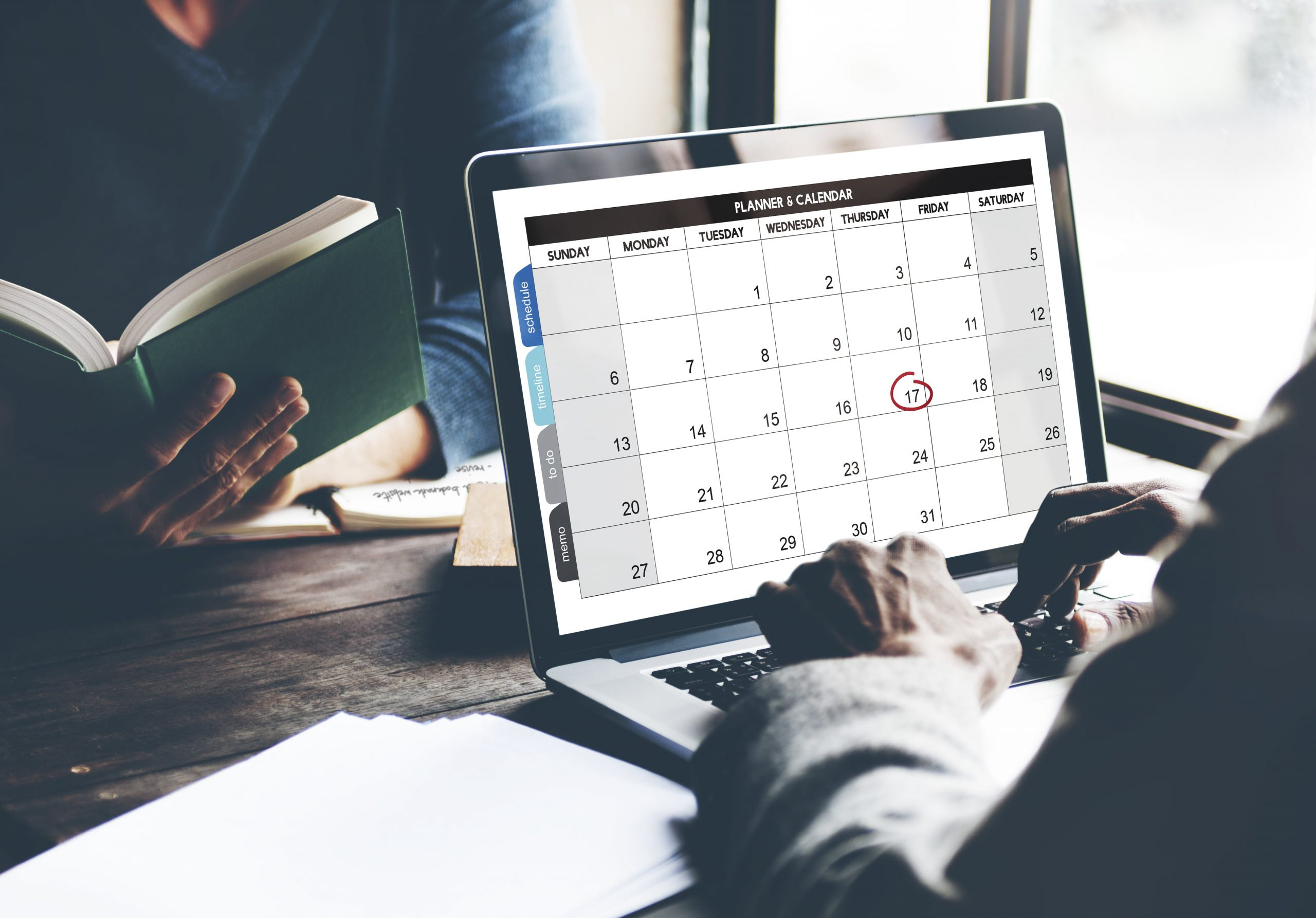 Setting agenda for daily standup meetings for remote teams-min
